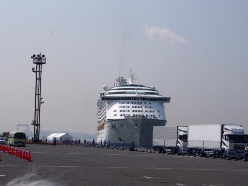 ボイジャー・オブ・シーズ名古屋港に初寄港