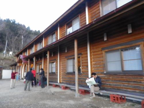 雲取山荘から長沢背稜・長沢山・酉谷山・三ツドッケを歩いて東日原へ