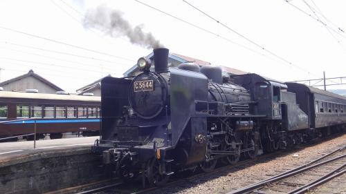 大井川鉄道の旅(02)・・・新金谷駅ホームで、SL出発前のセレモニー