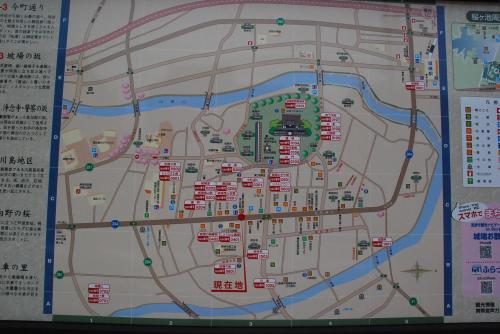 越中の小京都城端 絹織物で栄え石垣の坂道と水車の里がある町(富山県)