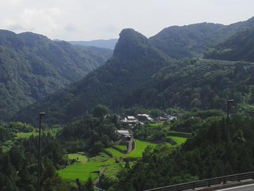 岳切渓谷(たっきりけいこく)でマイナスイオンを ※大分県宇佐市