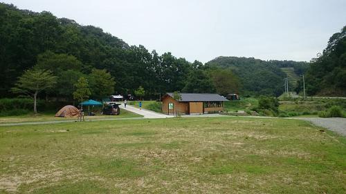 夏休みのキャンプ・スノーピーク箕面キャンプフィールド
