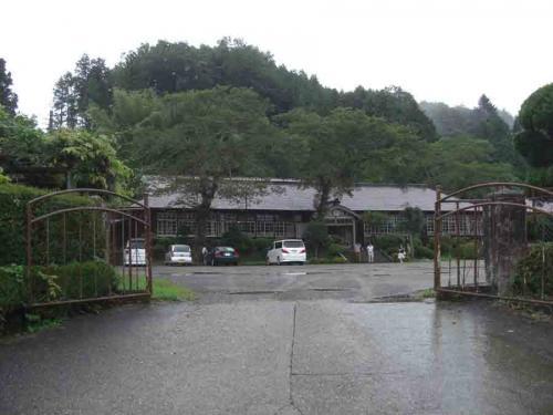 懐かしい木造校舎 上岡小学校 花子とアンの舞台に・・・・