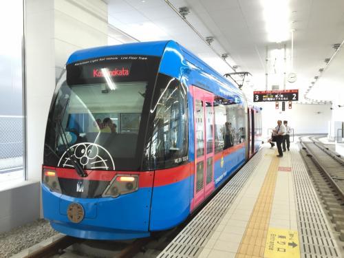 万葉線に乗って高岡から新湊への旅