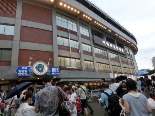 神宮外苑花火大会へ(2014年8月)