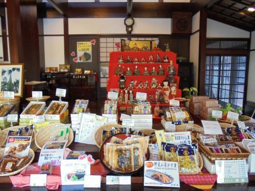 庄内雛街道を行く(二日目・完)~庄内藩主酒井家ゆかりの雛道具が象徴的。鶴岡の武家好みは京都文化に江戸様式も混じります~
