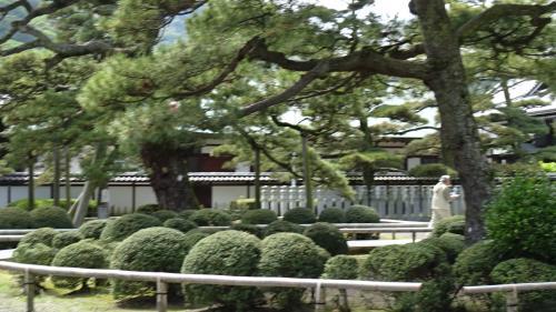 淡路島・東四国庭園めぐり(34) 第75番札所 善通寺参拝