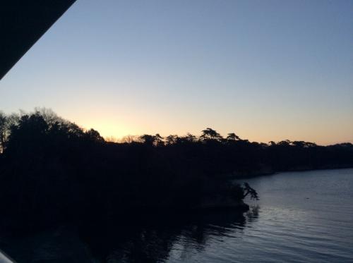 東北のんびり親子旅{11}白く輝く松島湾の日の出☆そして、松島左官松庵の朝食^^v
