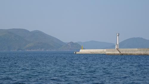 隠岐の島 ローソク島遊覧とまるごと全4島(28) 隠岐の島のハイライト 国賀海岸の景観 上巻