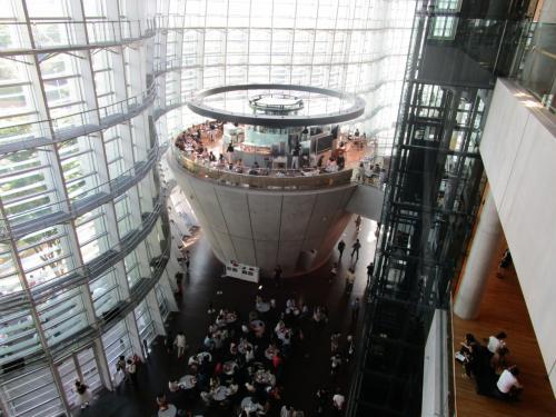 国立新美術館でランチついでにブルーボトルコーヒー