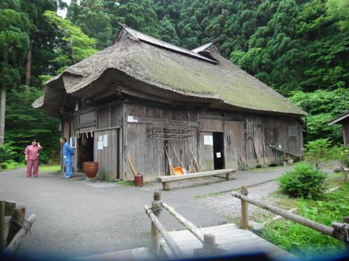 男鹿真山伝承館