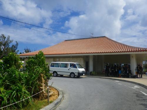 沖縄本島最高の海とホント、サイコー?のバベルの塔