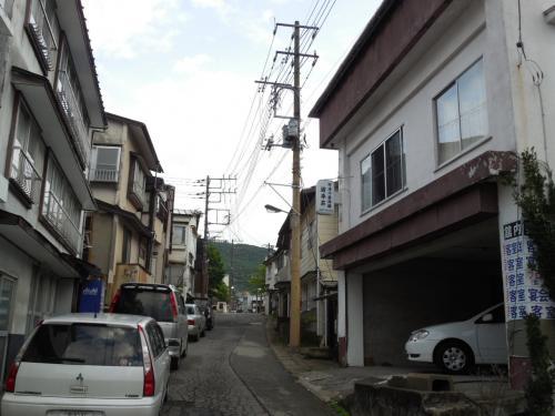 早朝の湯本温泉街散歩