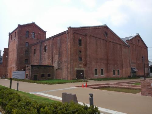 半田赤レンガ建物は昔の面影を遺しています。