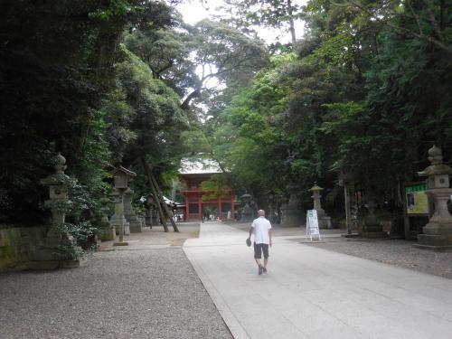 鹿島神宮、奥宮。雲間から光差し込み、勝手に感動して、カシャッ!