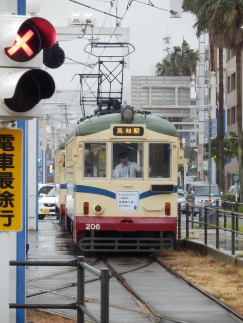 四国一人旅③「台風の暴風雨の中を、土佐くろしお鉄道のオープンデッキ車でゆく」