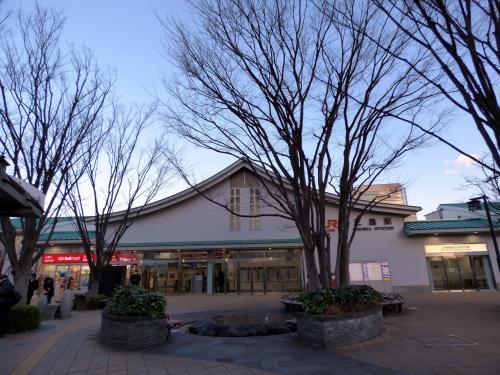 01.厳冬の朝の三島の散歩道 新幹線の車窓からの富士山