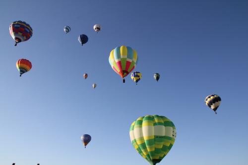 鶉野飛行場からの気球一斉離陸!