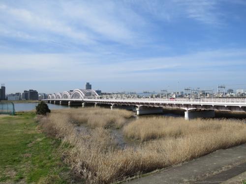 大阪港にクイーンエリザベス号初寄港。