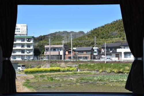 佐久島の黒壁集落とおひるねハウスを訪ねて(愛知)