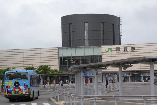 20160626-1 小樽まで普通列車 森駅、いかめし → 長万部駅、かにめし → 長万部駅、折詰もりそば