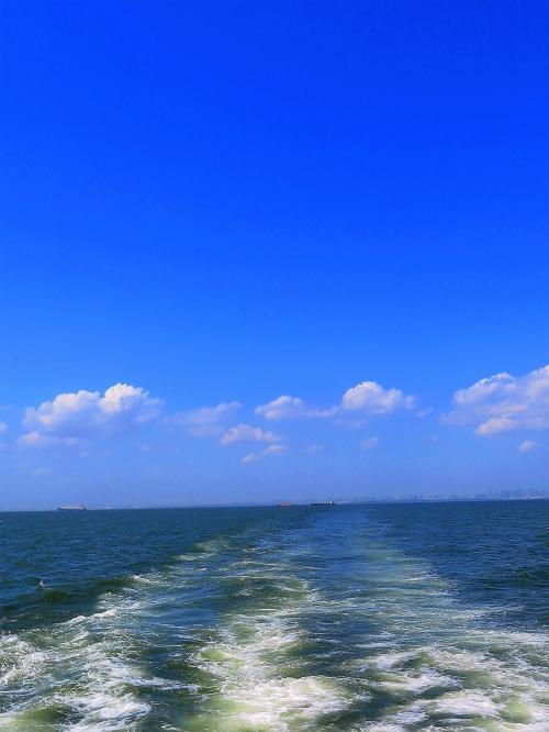 東京湾クルーズ3/4 舞浜リゾート地区~幕張メッセ沖を往く ☆人造火山を遠望し