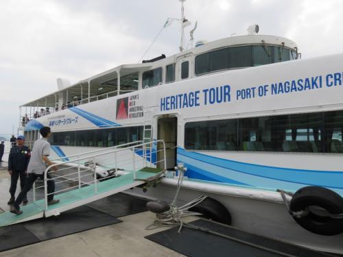 長崎港世界遺産めぐりクルーズで三菱重工の巨大ドック群を見る
