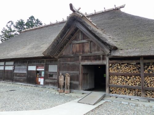 封人の家(芭蕉の道を歩く 25)