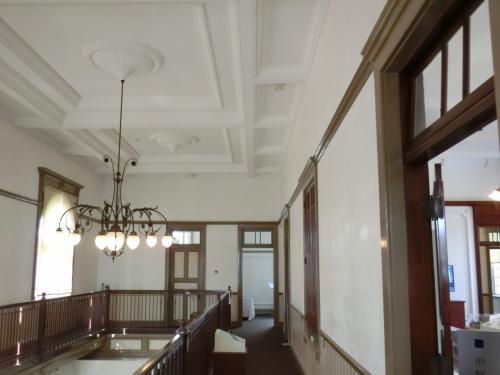 旧唐津銀行本店 (展示室)