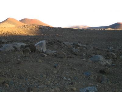 ケア山頂はツンドラ気候帯に 神々の宿る島・ハワイ島を駆けめぐる (ハワイ