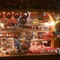 100人サンタさんのお店。
