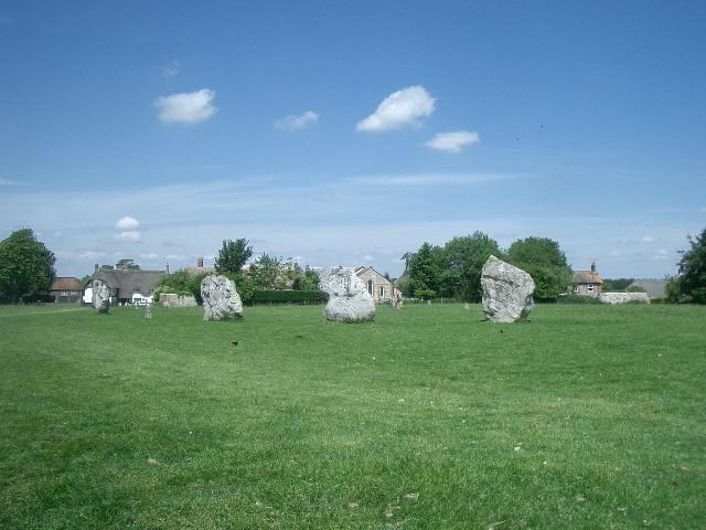 Avebury のStone Circle は現在の町と一体となっている