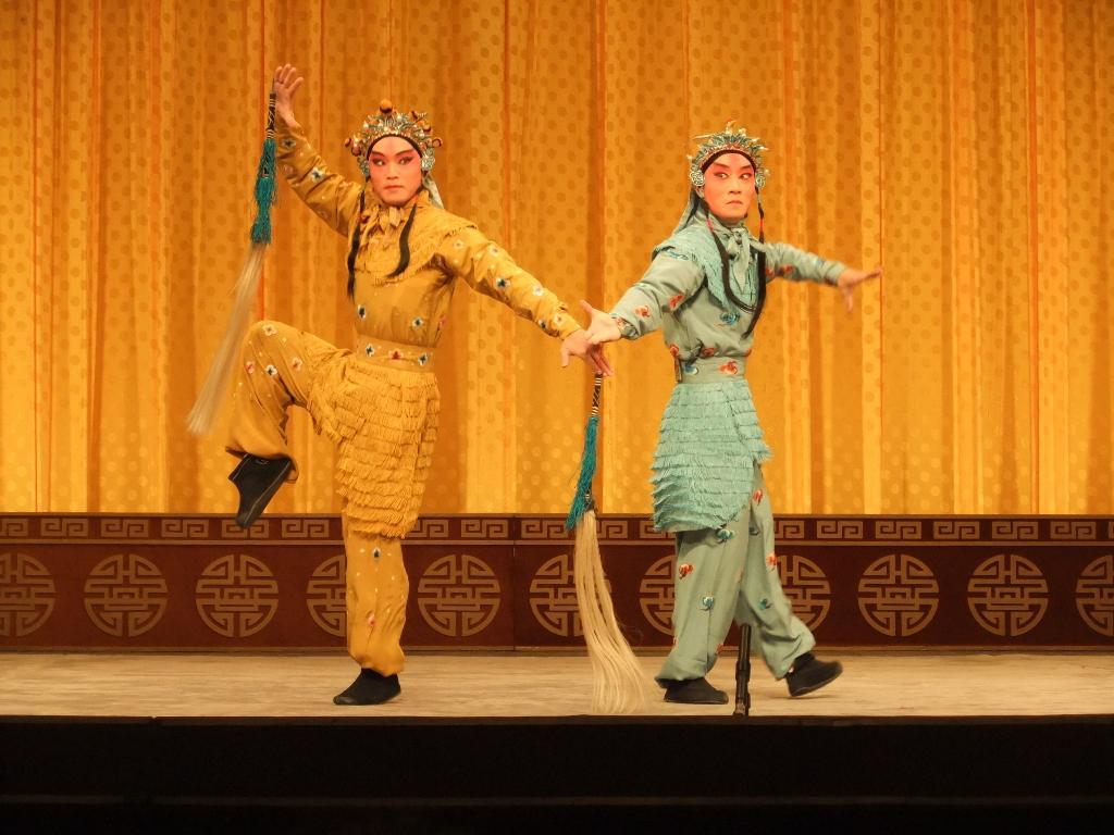上海で京劇 & ワークショップを...