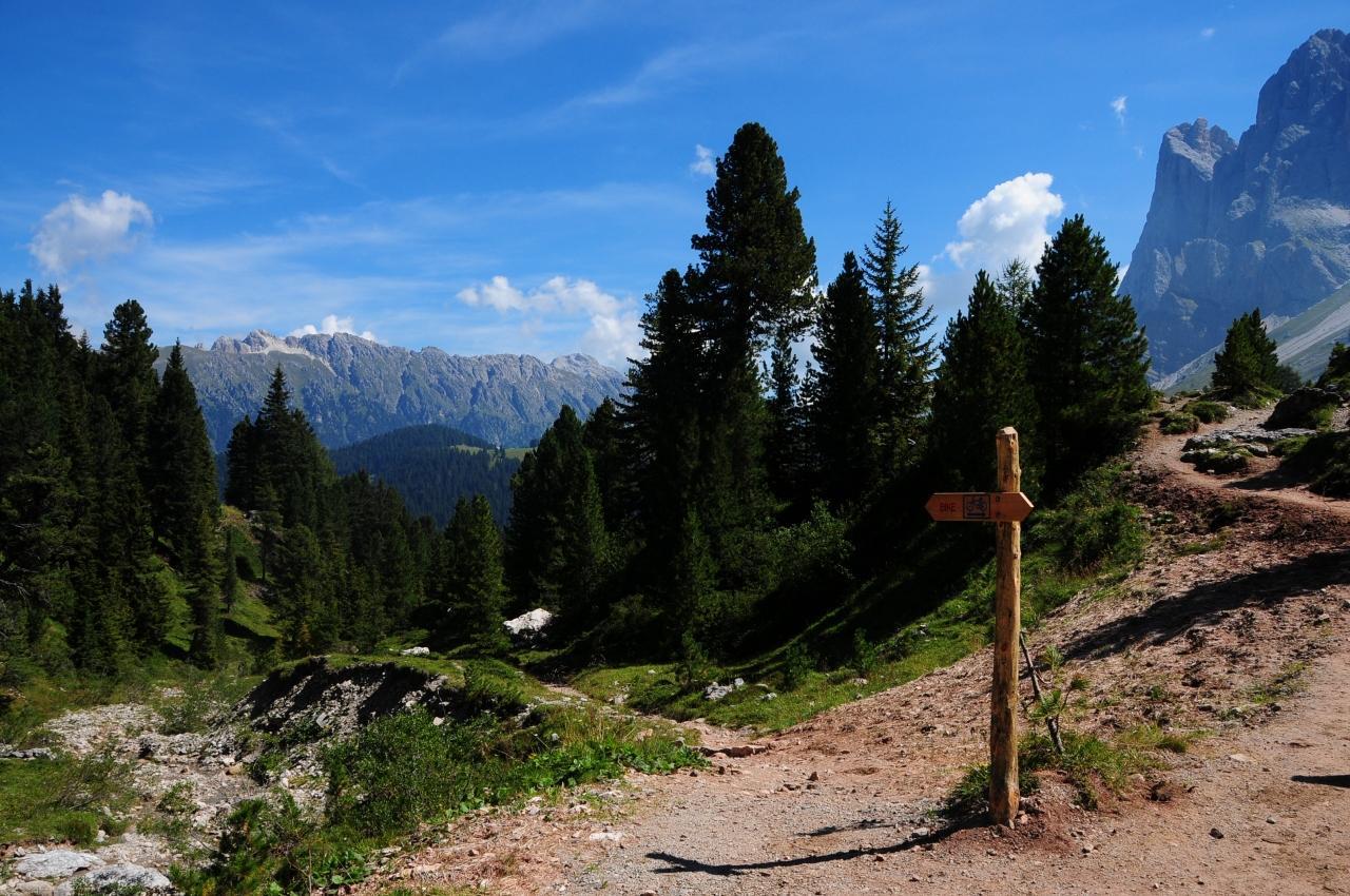絶景を求めてドロミテ山塊西側ルートその03~サンタ・マッダレーナ