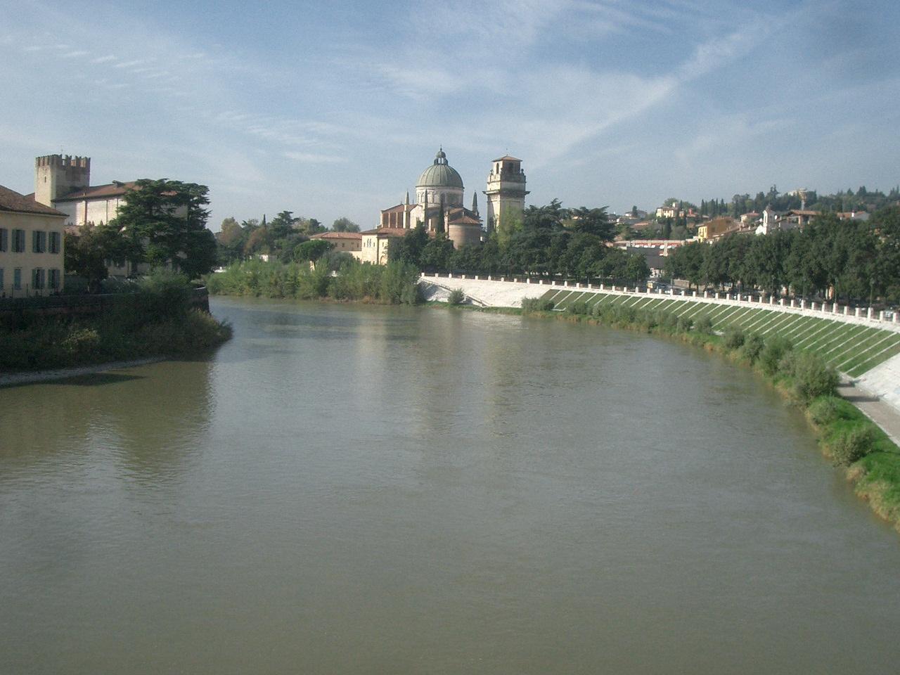 ヴェローナ市街の画像 p1_31