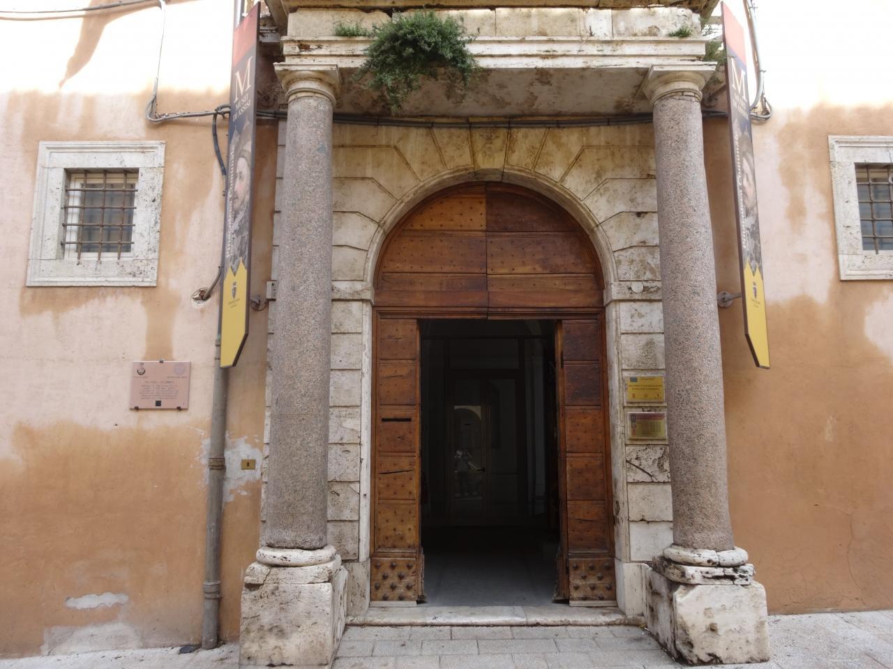 アッシジ、フランチェスコ聖堂と関連修道施設群の画像 p1_33