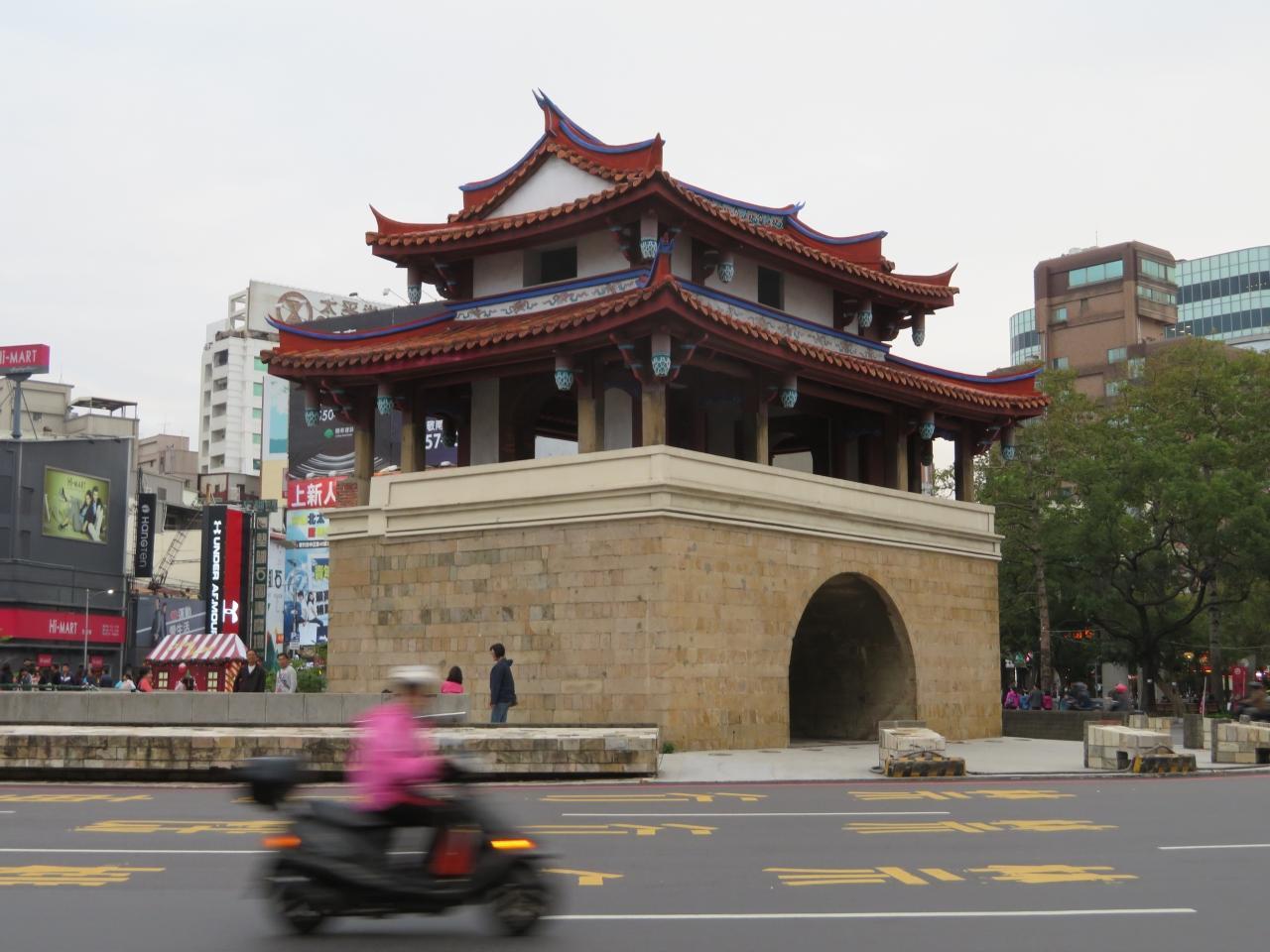 台湾 「行った所・見た所」 新竹駅から北大教会堂と水仙宮・長和宮へ