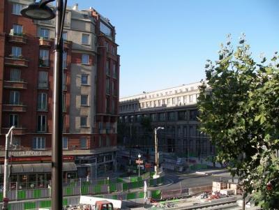 Median paris porte de versailles hotel by - Hotel median paris porte de versailles ...