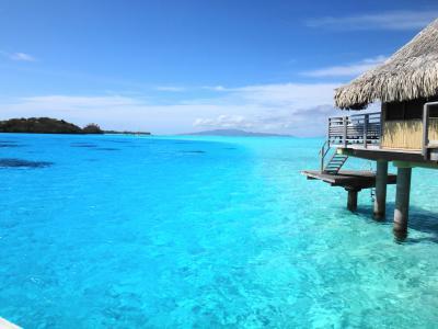"""クチコミから選んだ人気のリゾート♪ """"楽園""""タヒチ、水上コテージ10選"""