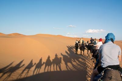 メルズーガ大砂丘(サハラ砂漠)