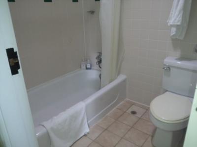 バスルームは二部屋あります