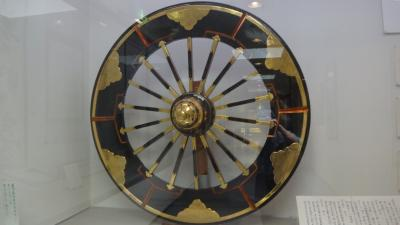 資料館の大きな車輪
