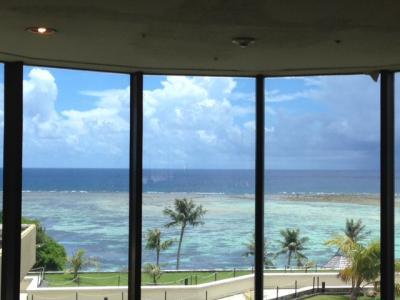 ロビーから見たビーチです