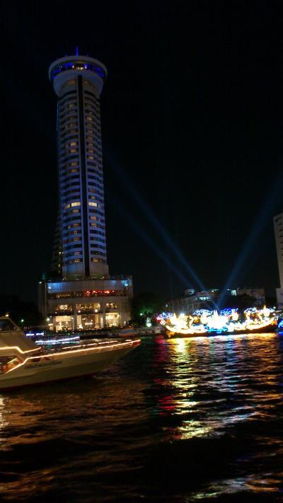 チャオプラヤー川の夜景が楽しめます