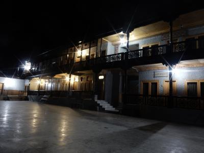 ホテル フンザ エンバシー