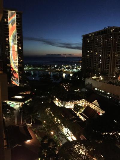タパタワー11階部屋ラナイからの夜景
