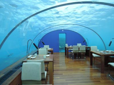 水中レストラン イター