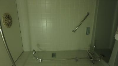 シャワーヘッドが回せて、ミストシャワーに癒された~