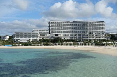エメラルドビーチは目の前。全室がオーシャンフロントです。