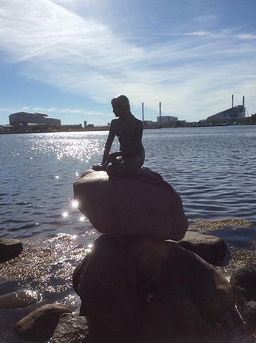 人魚姫の像